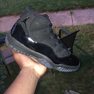 Cap and Gown 11's